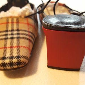 HYPE wool plaid Burberry style slip on heel